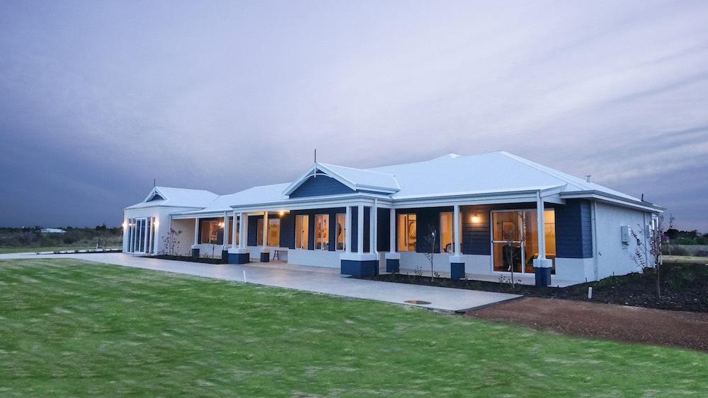 Merrit loop perth display homes wa country builders for Country home designs wa